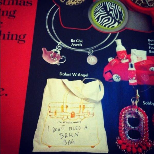 La W-Angels Shopping Bag su Vogue Accessori di Dicembre