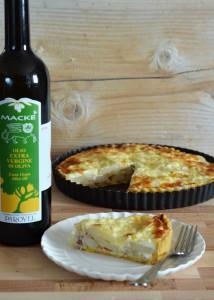 B500_Tarte salata di patate, cipolle, pancetta arrotolata di Sauris e Montasio con pasta sablée all'olio extravergine _Una casa in campagna