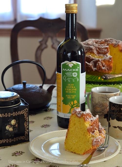 Ciambellone all'olio extra vergine d'oliva profumato all'arancia - Una casa in Campagna ©2015 Alessandra Colaci