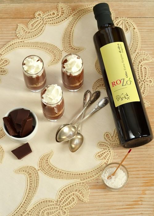 Goloso - Mousse di cioccolato all'olio extra vergine Parovel, caramello al sale di Pirano Una casa in campagna ©2015 Alessandra Colaci