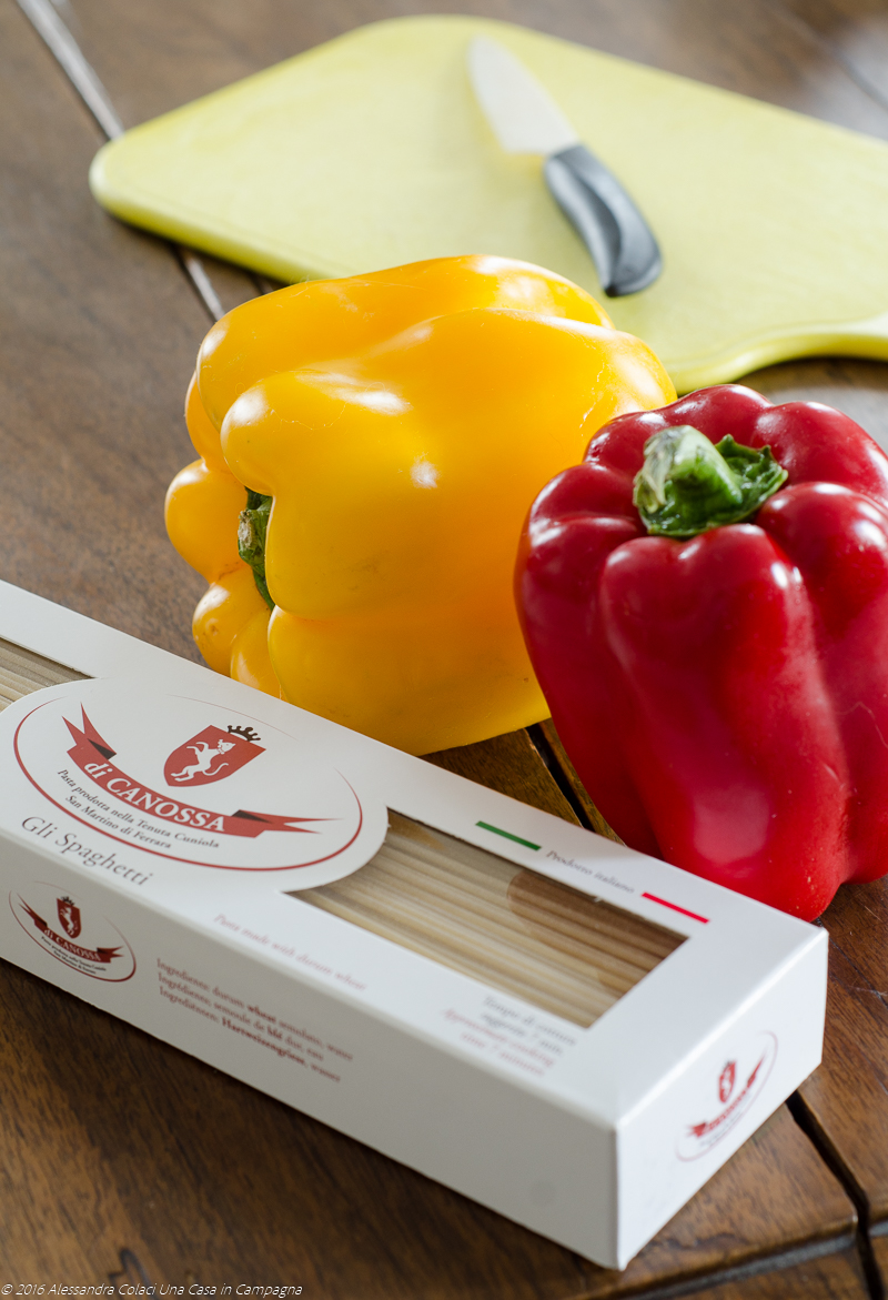 Spaghetti di canossa con peperoni ammollicati - Una casa in Campagna ©2016 Alessandra Colaci